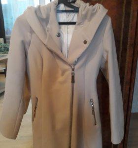 Женское демисез.пальто