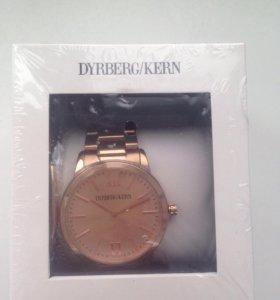 Часы Dyrberg