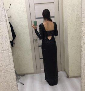 Платье из пайеток 42р.