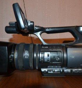 Продам Sony DCR-VX2200 и Nikon D3100 kit 18-55 VR