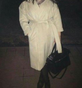 Продам НОВОЕ шикарное пальто С БИРКАМИ!!!