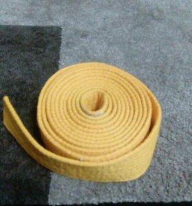 Кимоно,пояс желтый и защита