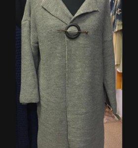 Пальто,вязаные вещи,платья,туники и многое другое