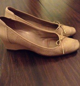 Туфли fabianni 39 р-р
