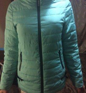 новая куртка, в отличном состоянии