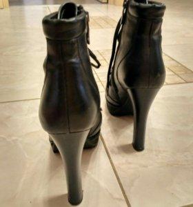 Ботинки зимние женские.
