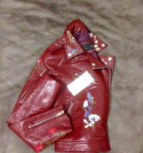 Новая куртка-косуха кожзам с вышивкой