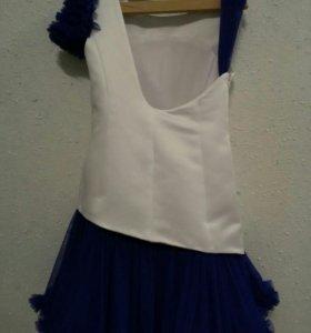 Очень оригинальное платье для малышки 5-7 лет