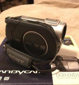 Продав видеокамеру Sony DCR-DVD109E