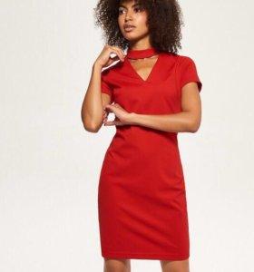 Красное платье с чокером