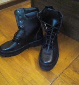 Высокие новые ботинки р 37