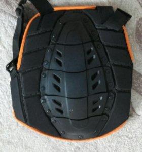 Защита на спину для катания на сноуборде