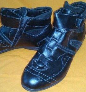 Новые Осенние мужские ботинки 43 разм