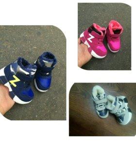 Детские ботинки меховые. Новые