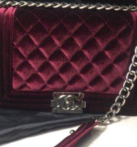 Бархатная сумочка CHANEL в наличии