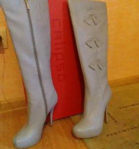 осенние кожаные сапоги новые CALIPSO