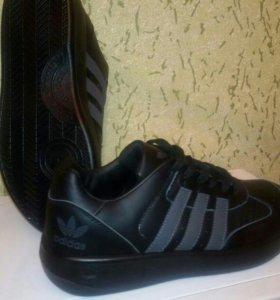 Мужские кроссовки новые.