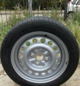 Запасное колесо от шевроле лачетти.