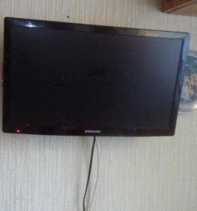 Телевизор для кухни 19дюймов