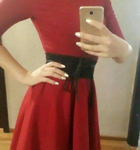 Платье цвет винный