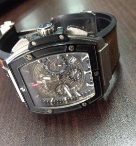 Продам часы Hublot