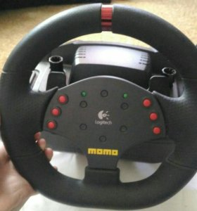 Руль с педалями Logitech MoMo Racing