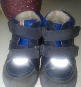 Ботиночки на мальчика 2-3 года Reima