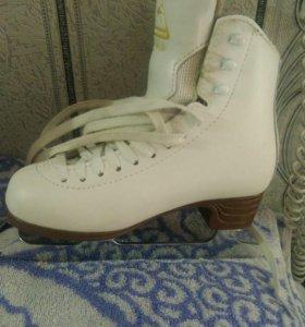 Профессиональные коньки для фигурного катания Jack