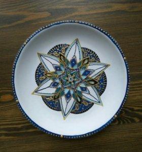 Тарелка с росписью ручной работы