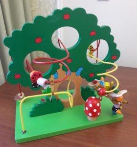 Большой интерактивный лабиринт Дерево