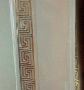 Карниз потолочный пластиковыйс орнаментом и углами