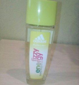 Adidas освежающая парфюмированная вода для женщин.