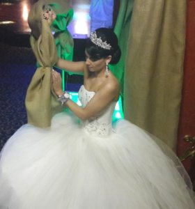 Свадебное платье+подьюбник с обручями