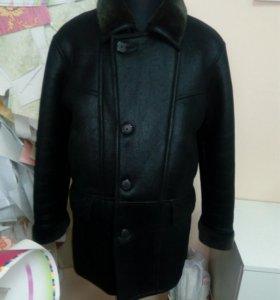 Дубленка зимняя мужская, черного цвета,размер XL