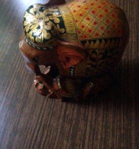 Антикварная статуэтка индийские слоны