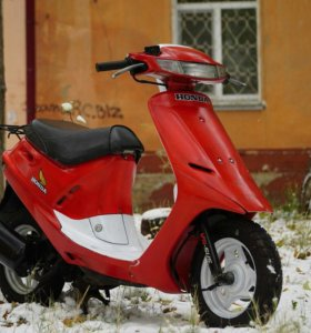 Honda Dio SR25 (White- Red Edition )