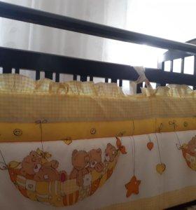 Кровать с бортами и балдахином