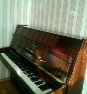 "Пианино ""Riga"""