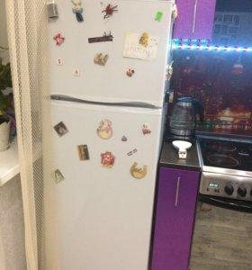 Продам холодильник фирмы Атлант