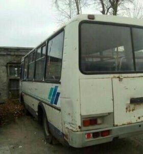 Автобус 2004 года