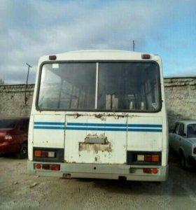 Автобус 2007 года
