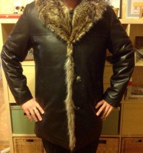Кожаное мужское пальто на натуральном меху