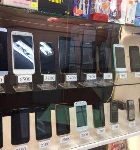 Телефоны в ассортименте