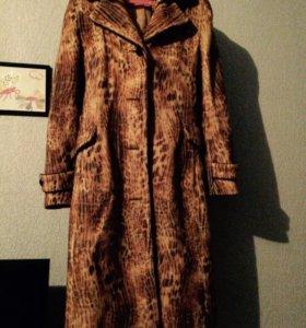 Пальто почти даром