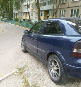 Автомобиль Opel Astra GTC 2002