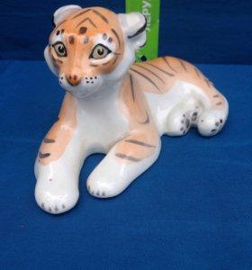Тигр фарфор,