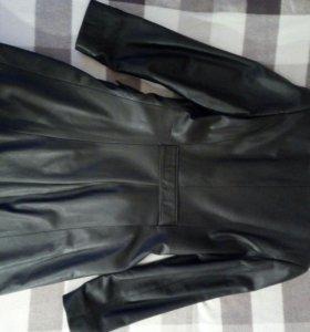Кожаное пальто 46 р.
