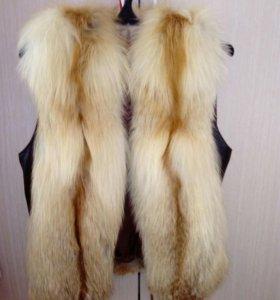 Обменяю на пальто или продам новый жилет