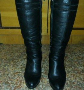 Сапоги зимние (кожа). Высота каблука около 7 см.