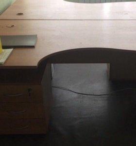 Стол с тумбой ( в хорошем состоянии)